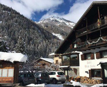 hotel-gressoney-saint-jean-gran-baita-parcheggio