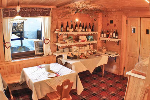 2_Hotel-Gran-Baita-Ristorante-Gressoney-Breakfast-Room-Colazione-Buffet