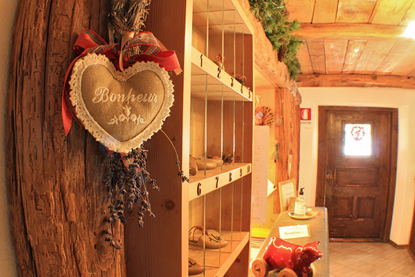 2_Hotel-Gran-Baita--Ristorante-Gressoney-Restaurant-Entrance