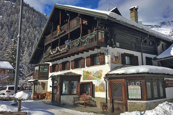 6_Hotel-Gran-Baita-Gressoney-Ristorante-Esterno-Neve